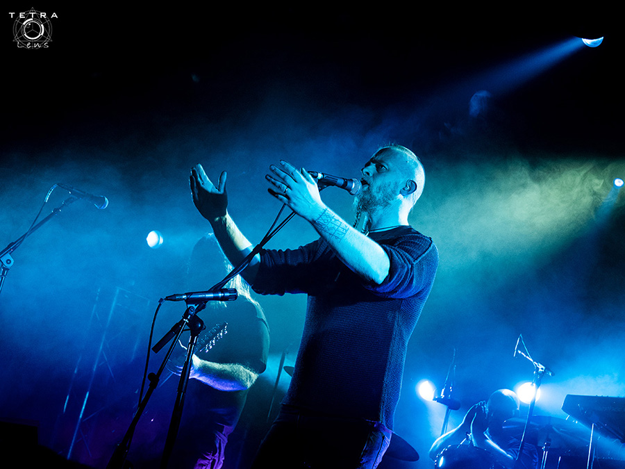 Picture of Einar Selvik in concert taken by music photographer Emma Bauer