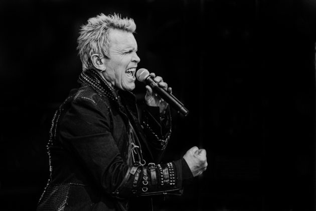 Picture of Billy Idol in concert by Darren Chan