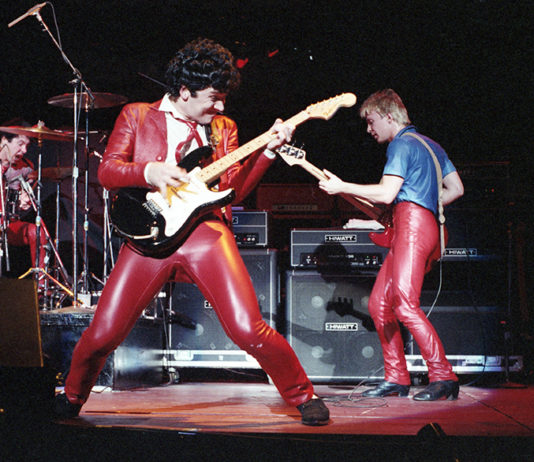 Picture of The Romantics in concert by Bill O'Leary