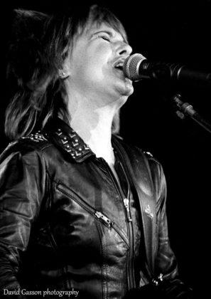 Picture of Suzi Quatro in concert by David Gasson