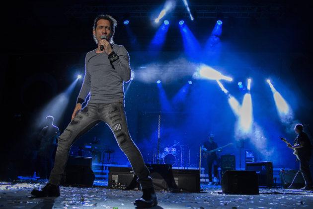 Picture of Kıraç in concert by Yusuf Belek