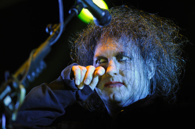 Picture of Robert Smith in concert by J.M. Grimaldi
