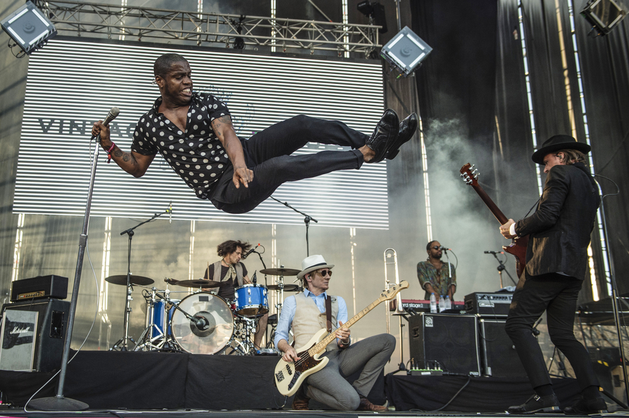Picture of Vintage Trouble in concert by Bill O'Leary