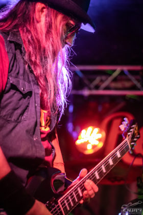 Picture of Red Tail in concert by EmJay Rockphotos