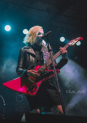 Picture of Halestorm in concert taken by Christopher Robert